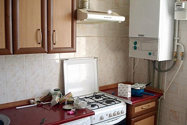 Котел для автономного отопления квартиры в многоэтажном доме должен строго соответствовать определённым критериям, по большей части касающимся обеспечения безопасности эксплуатации