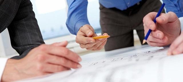 Расположение отопительного котла должно определяться специалистами-проектировщиками, с учетом пожеланий хозяев квартиры, если это допустимо