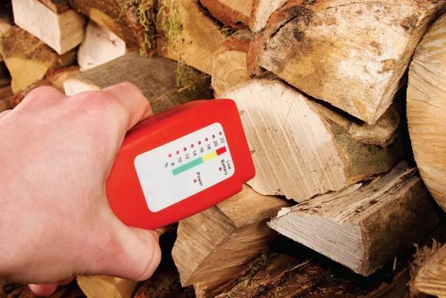 Понятно, что далеко не у каждого есть прибор, позволяющий проконтролировать остаточную влажность древесины. Значит, материалы необходимо приобретать у поставщиков, заслуживающих полного доверия