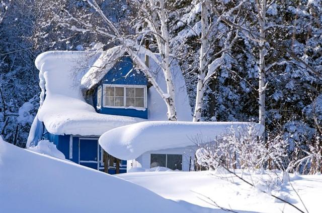 Смогут ли хозяева приезжать на дачу особо снежной зимой? Вот в том то и дело – об этом также необходимо подумать заранее
