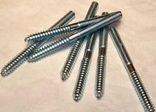 Вот такие шпильки с разным типом резьбы отлично подойдут для установки балясин