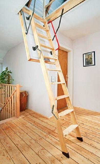 Можно приобрести готовый комплект складной чердачной лестницы, а затем провести его самостоятельный монтаж