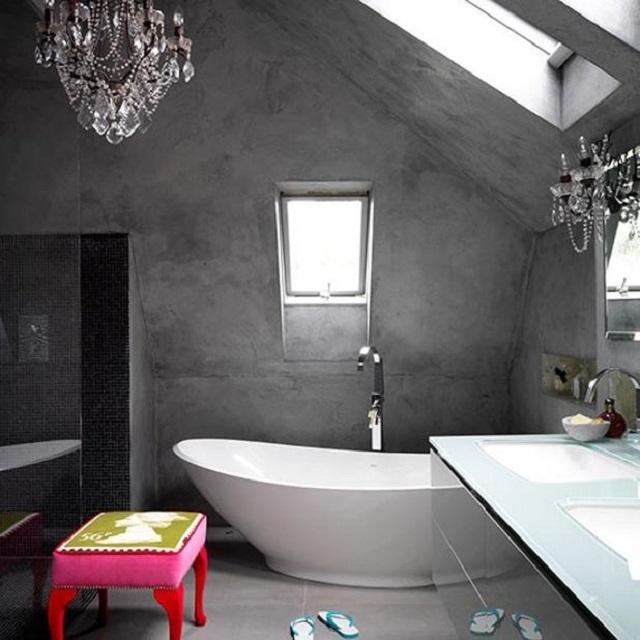 Высокая плотность и устойчивость к повышенной влажности после полного отвердевания – эти качества позволяют использовать микроцемент для отделки ванных комнат, душевых, бань и даже бассейнов