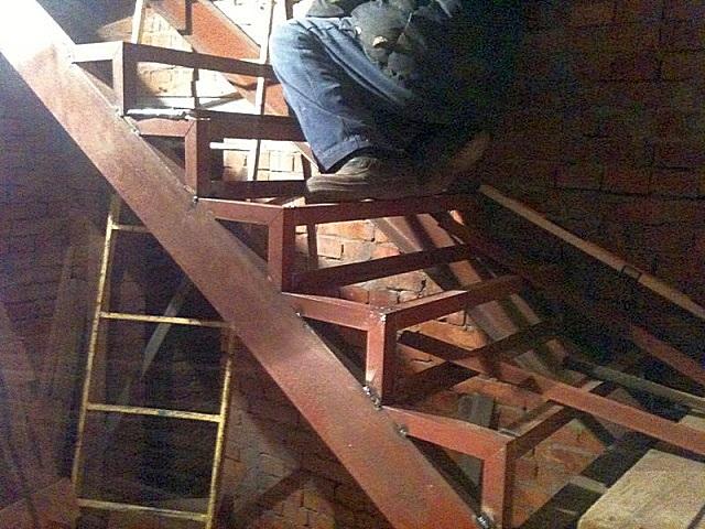 Вариант металлического каркаса лестницы