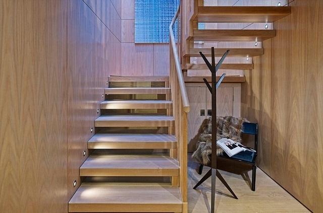 Подсветка лестницы – какую систему лучше выбрать?