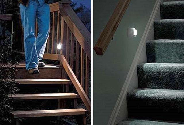 Подсветка с датчиками движения, если приборы имеют защищенный от влаги корпус, в равной степени хорошо подходит и для внешних, и для внутренних лестниц дома