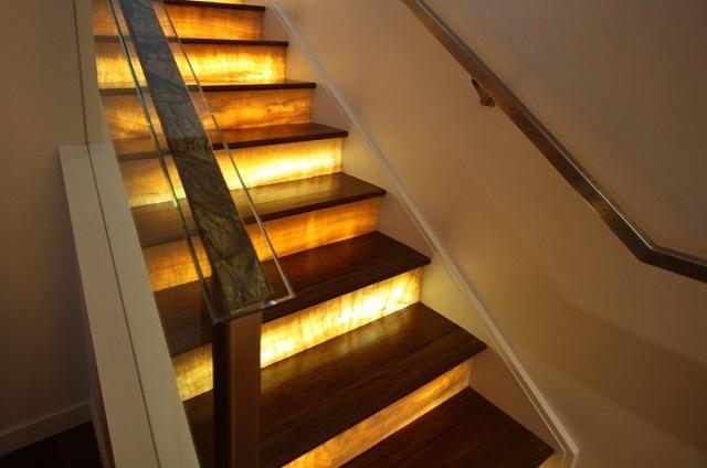 Маршевая лестница — пожалуй, самая удобная для частого использования